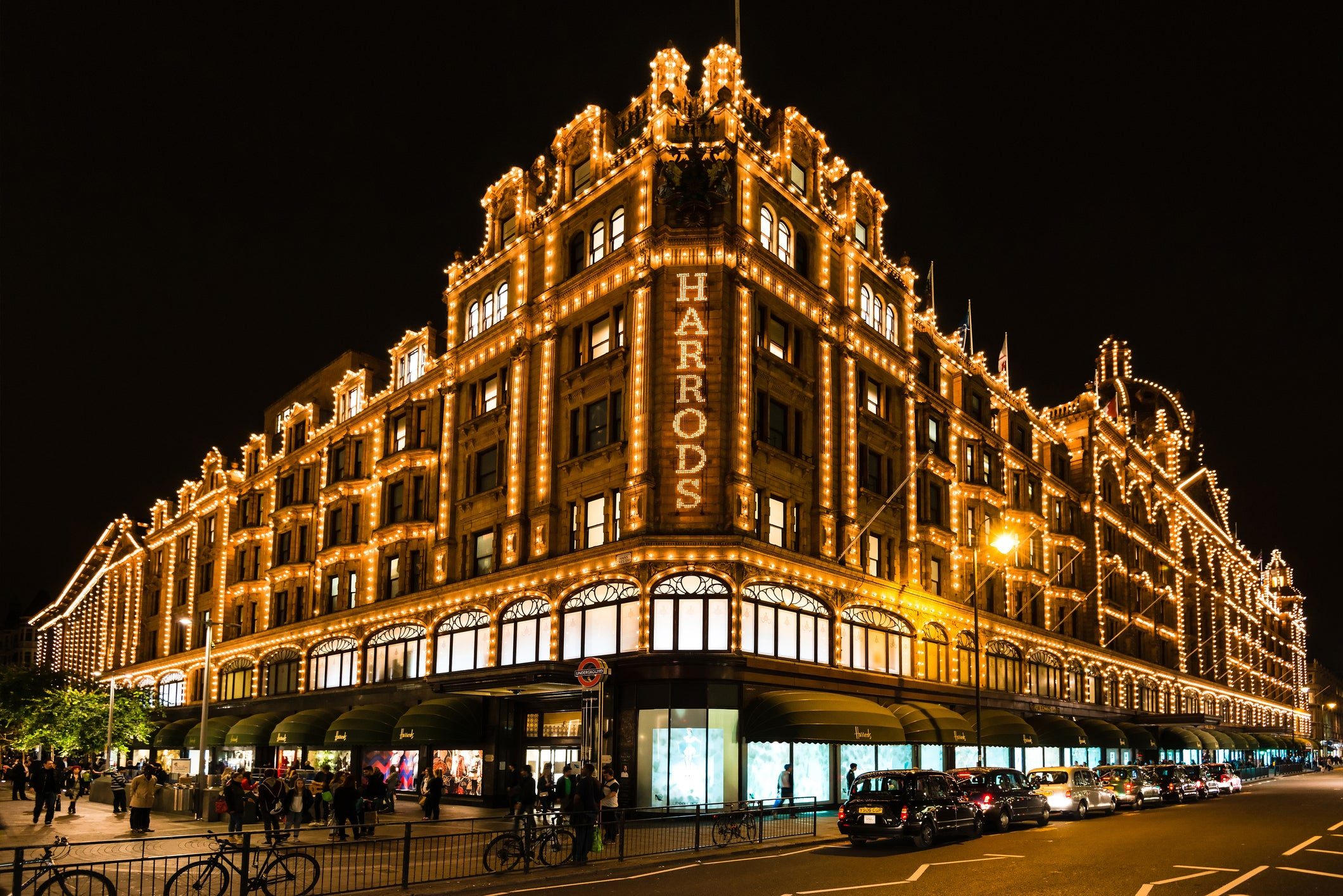 American Express gives Platinum cardholders £100 to spend at Harrods