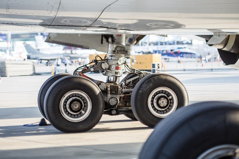 Heavy load: How the landing gear works on aeroplanes