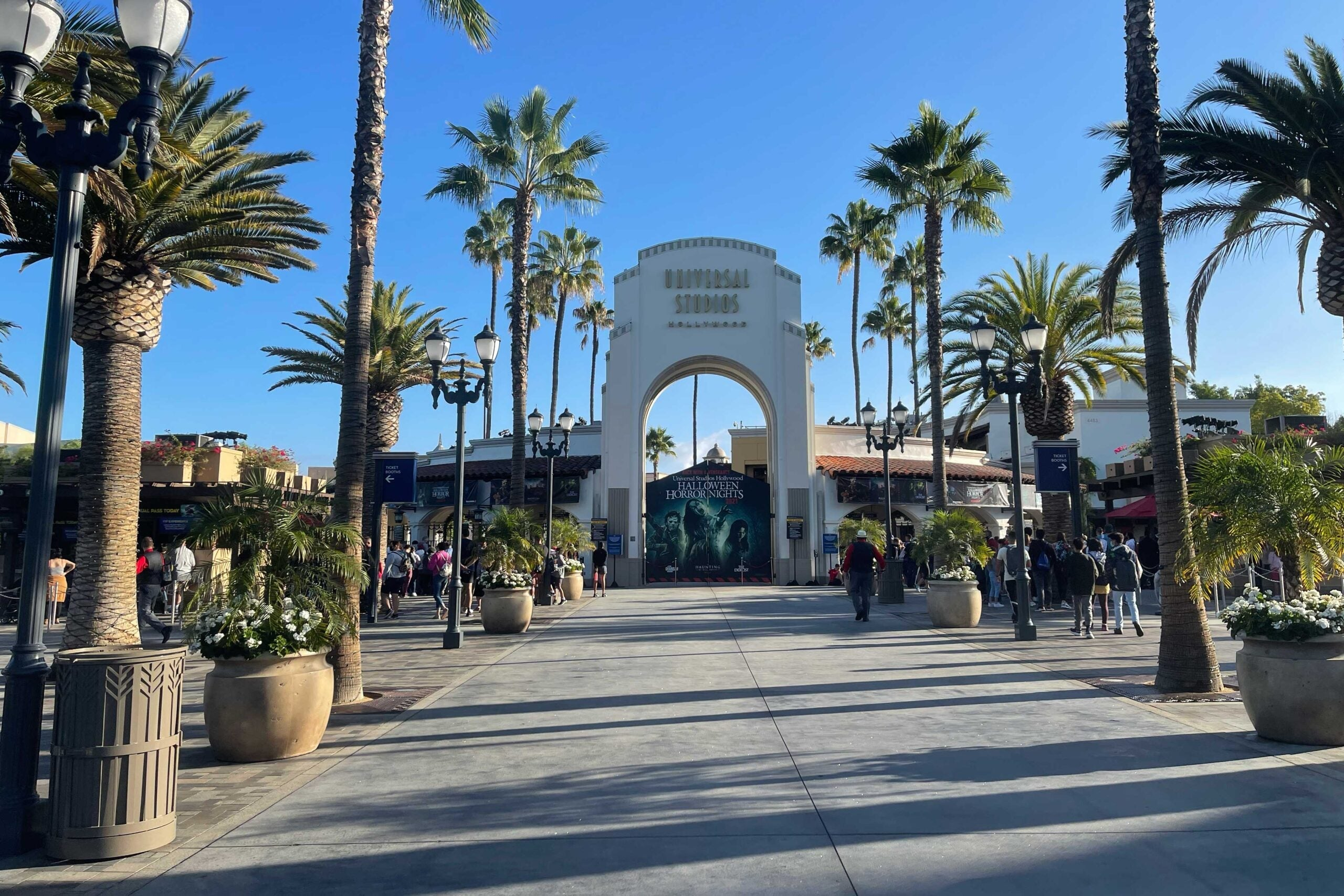 What it's like at Universal Studios Hollywood after new COVID-19 protocols - The Points Guy UK