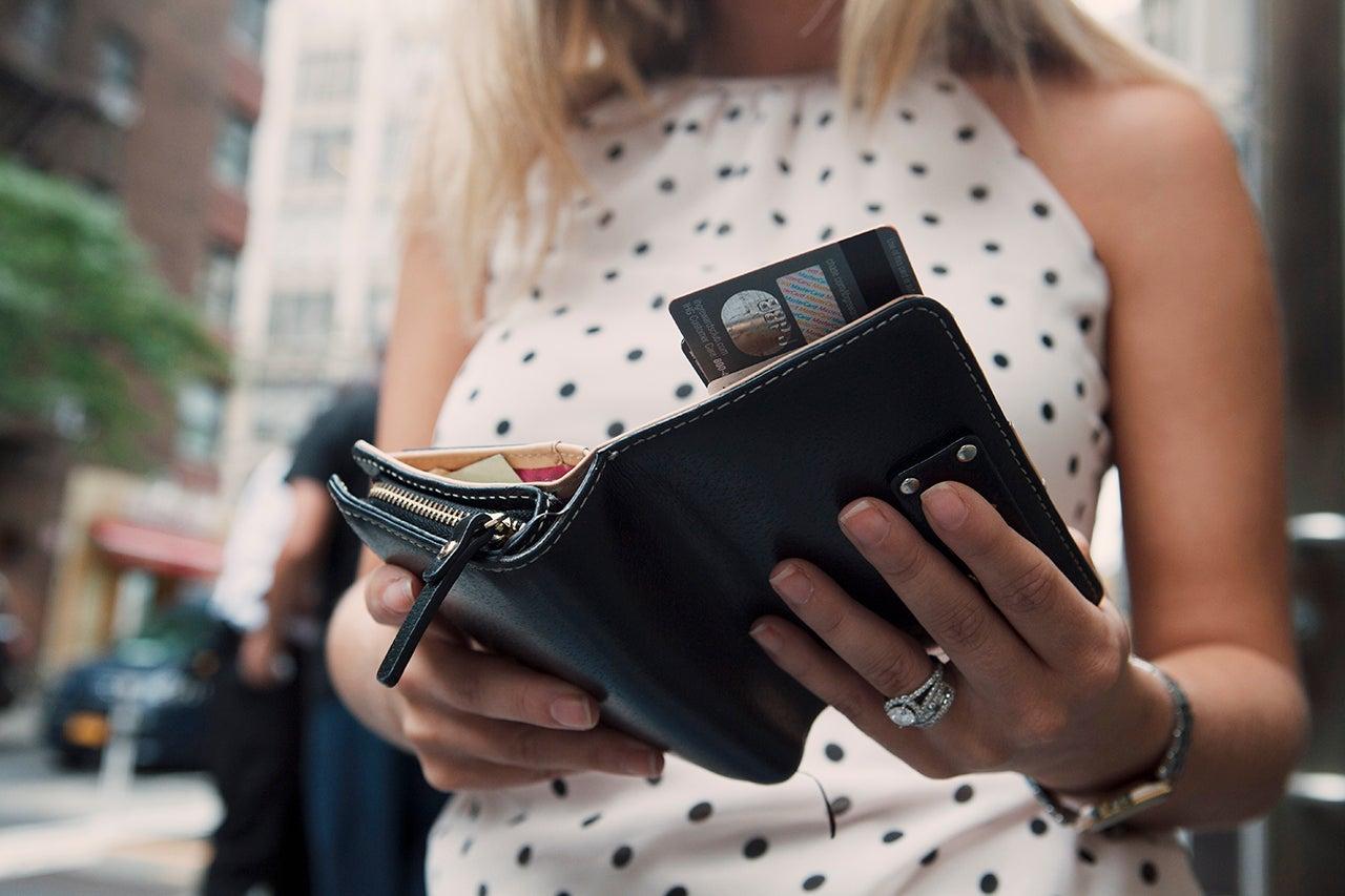 Should you choose a rewards credit card or a cashback credit card? - The Points Guy UK