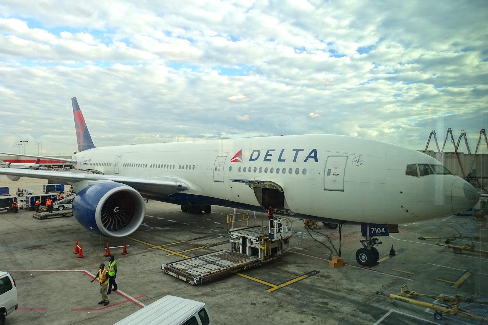 Flight Review: Delta (777-200LR) Business Class, LA to ATL