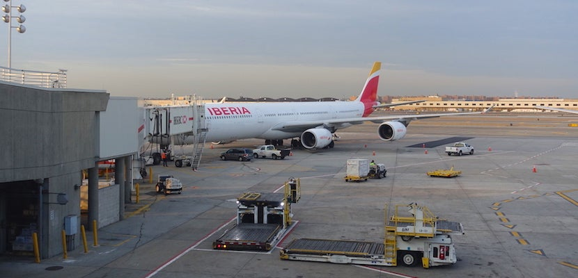 gpqwkkorzli1nm https thepointsguy com 2017 07 iberia a340 business flight review