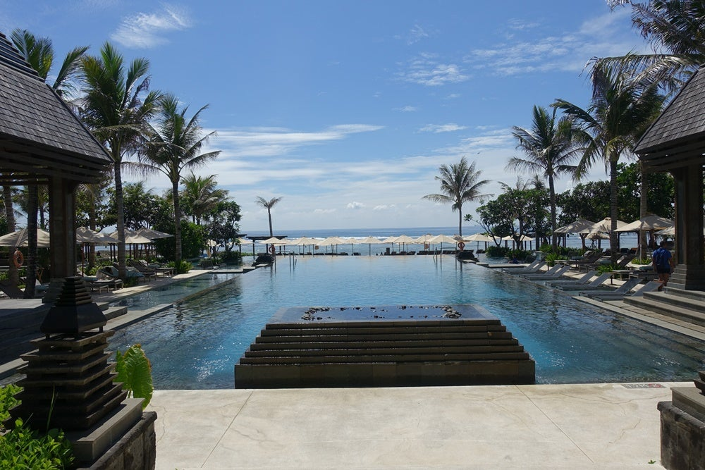 Take Advantage of Marriott and SPG Status Shortcuts Before August