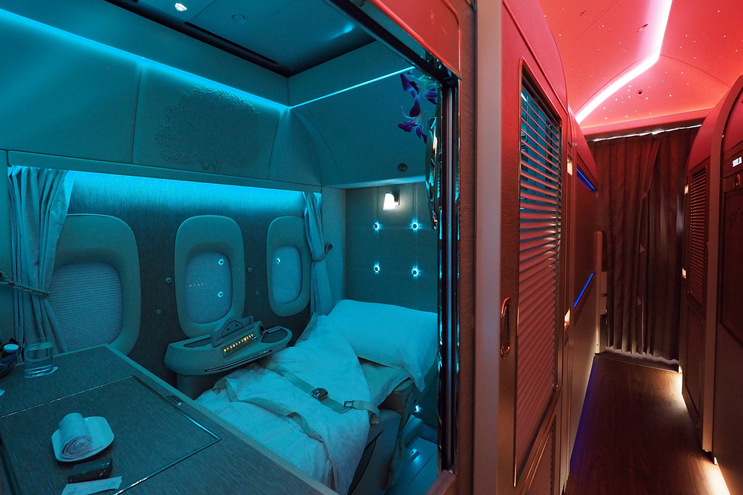Review: Emirates' New Boeing 777-300ER First-Class Suite