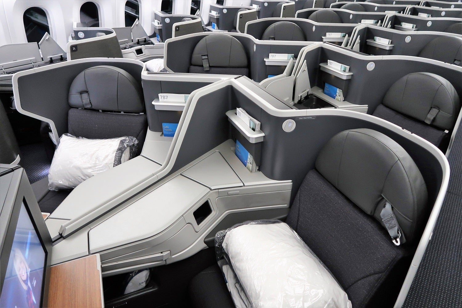 The Ultimate Guide to Getting Upgraded on American Airlines