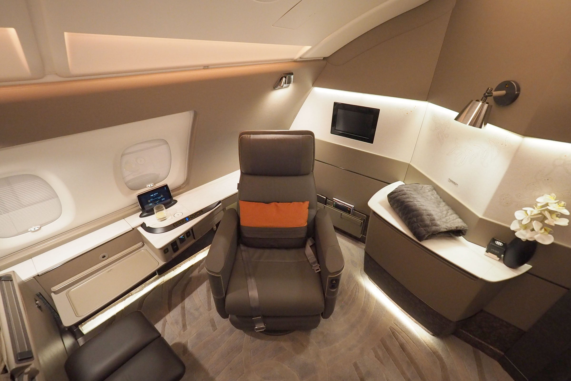 Singapore resumes retrofitting A380s with new cabins, much-improved suite