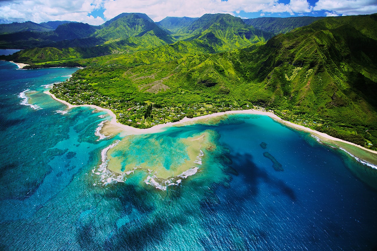 Hawaii vs. the Caribbean: Which islands should you visit? - The Points Guy