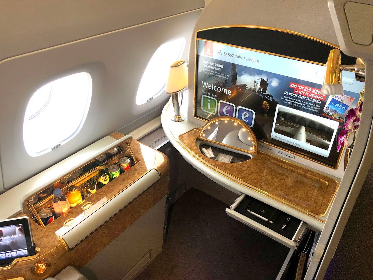 The Ultimate Guide to Emirates First Class - The Points Guy