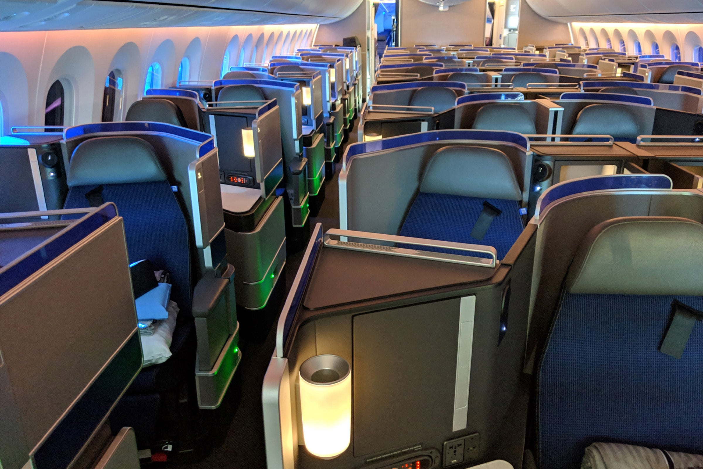 Book now: United opens the global saver award floodgates
