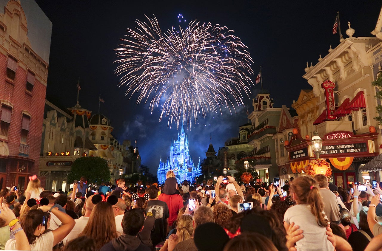 Disney fireworks are coming back just in time for summer - The Points Guy