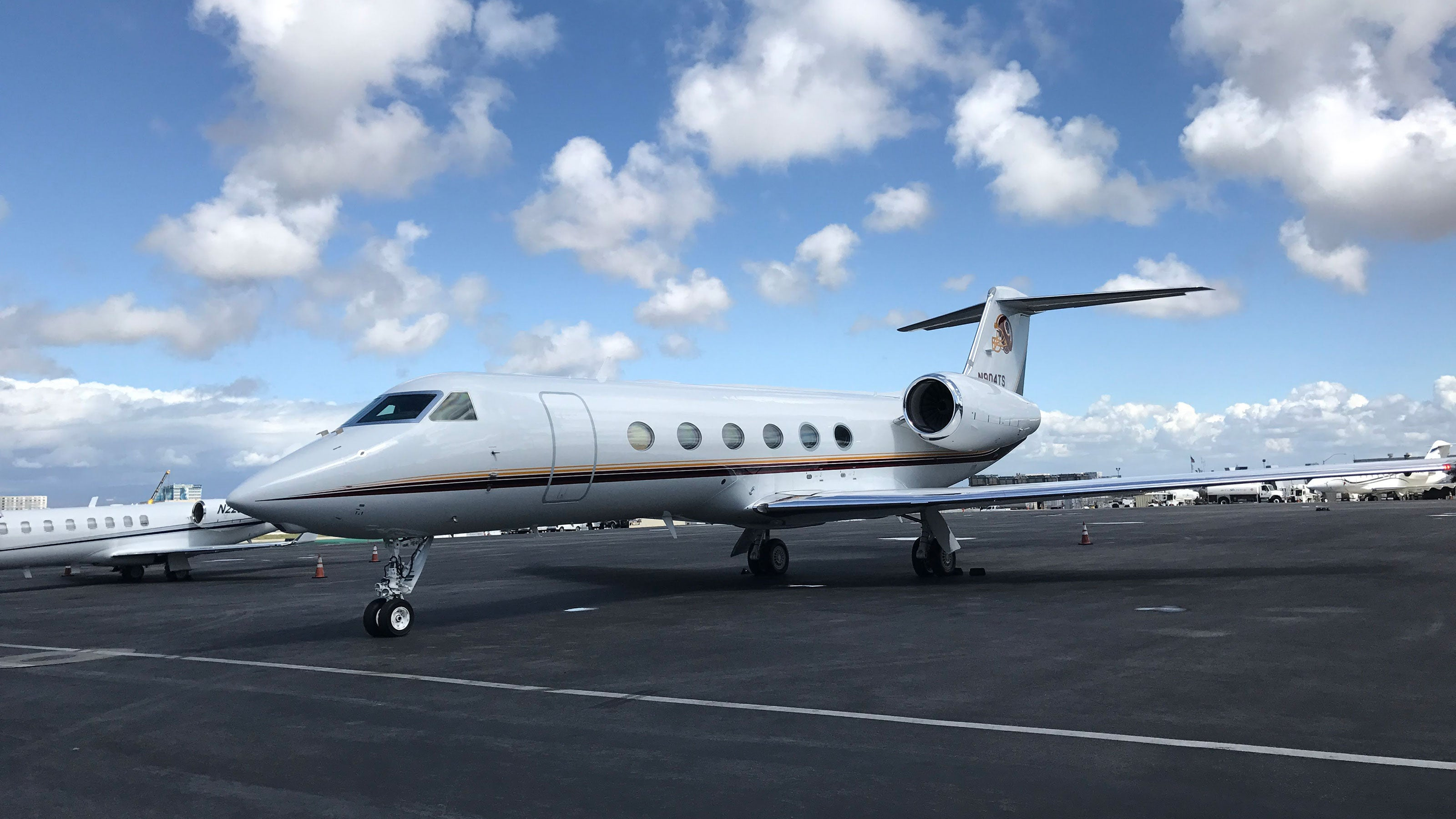 Everything you need to know about booking empty leg private jet flights