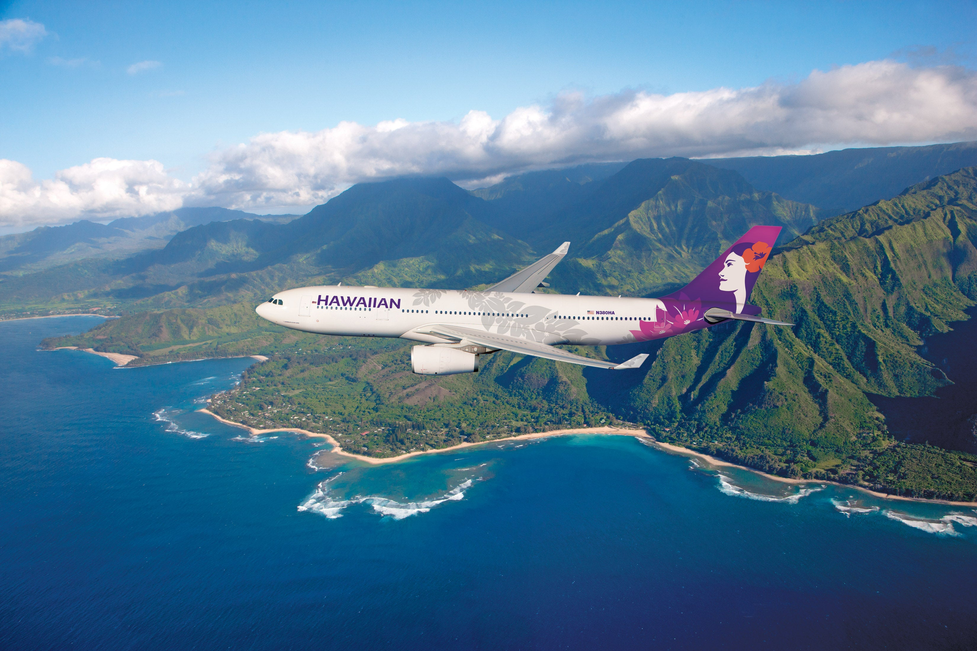 Aloha! The nation's longest domestic flight is back