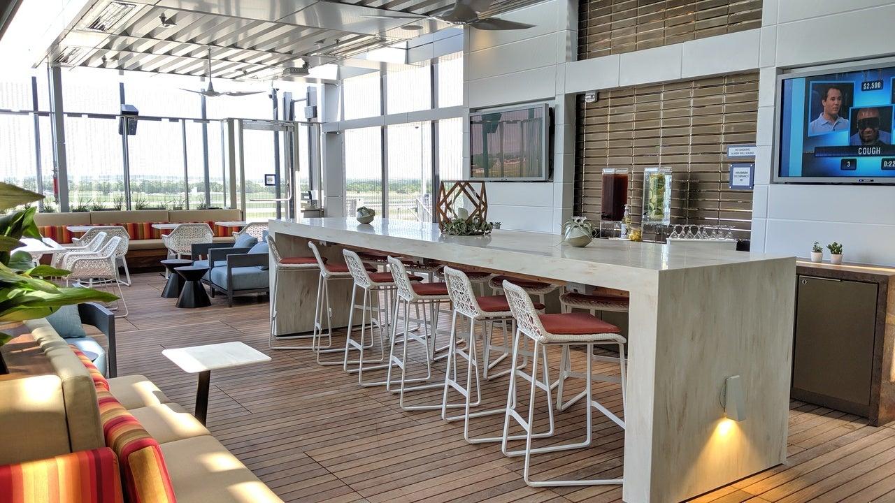 Delta Austin Lounge