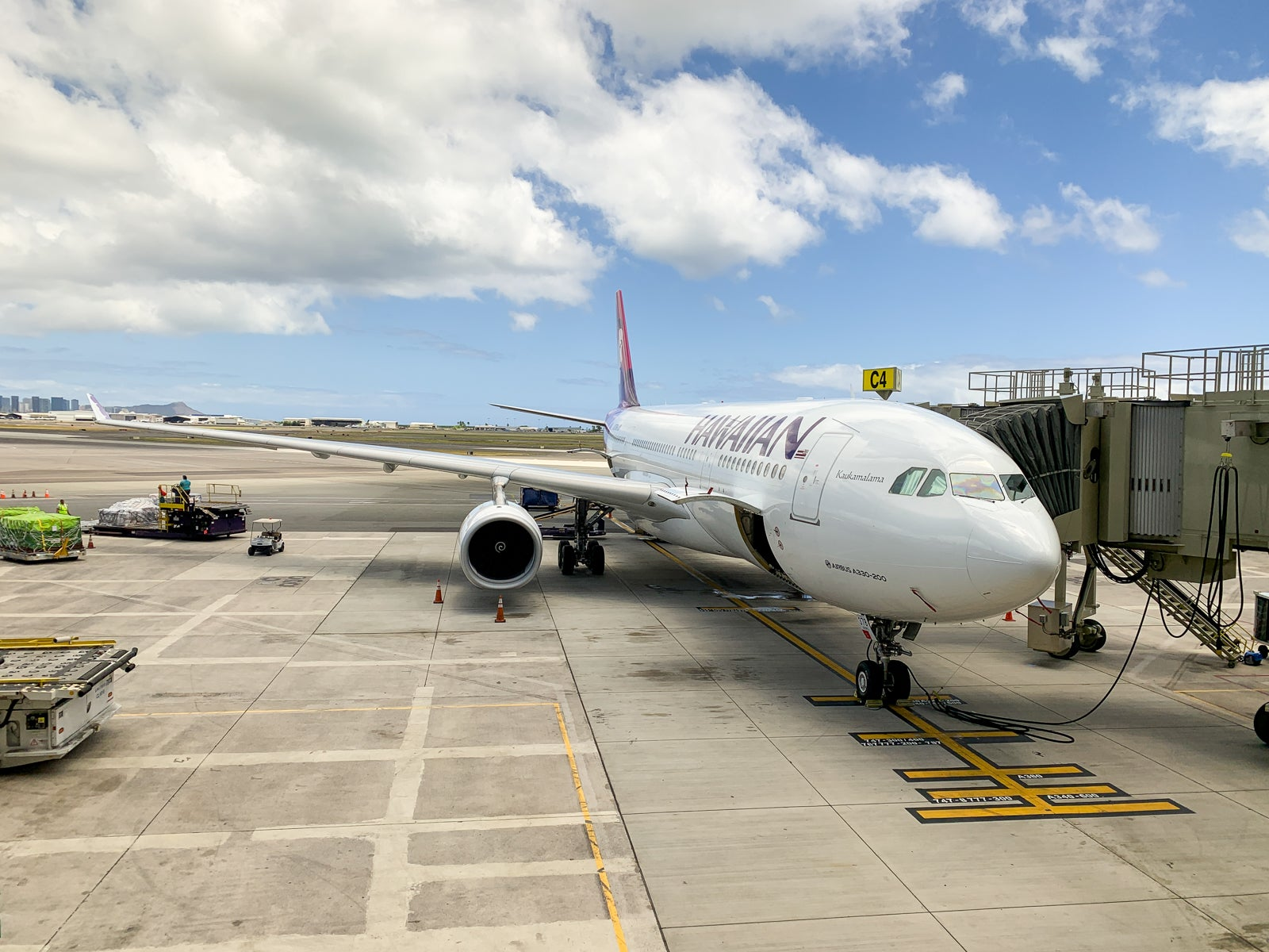 Hawaiian Airlines joins United in offering pre-flight COVID-19 tests