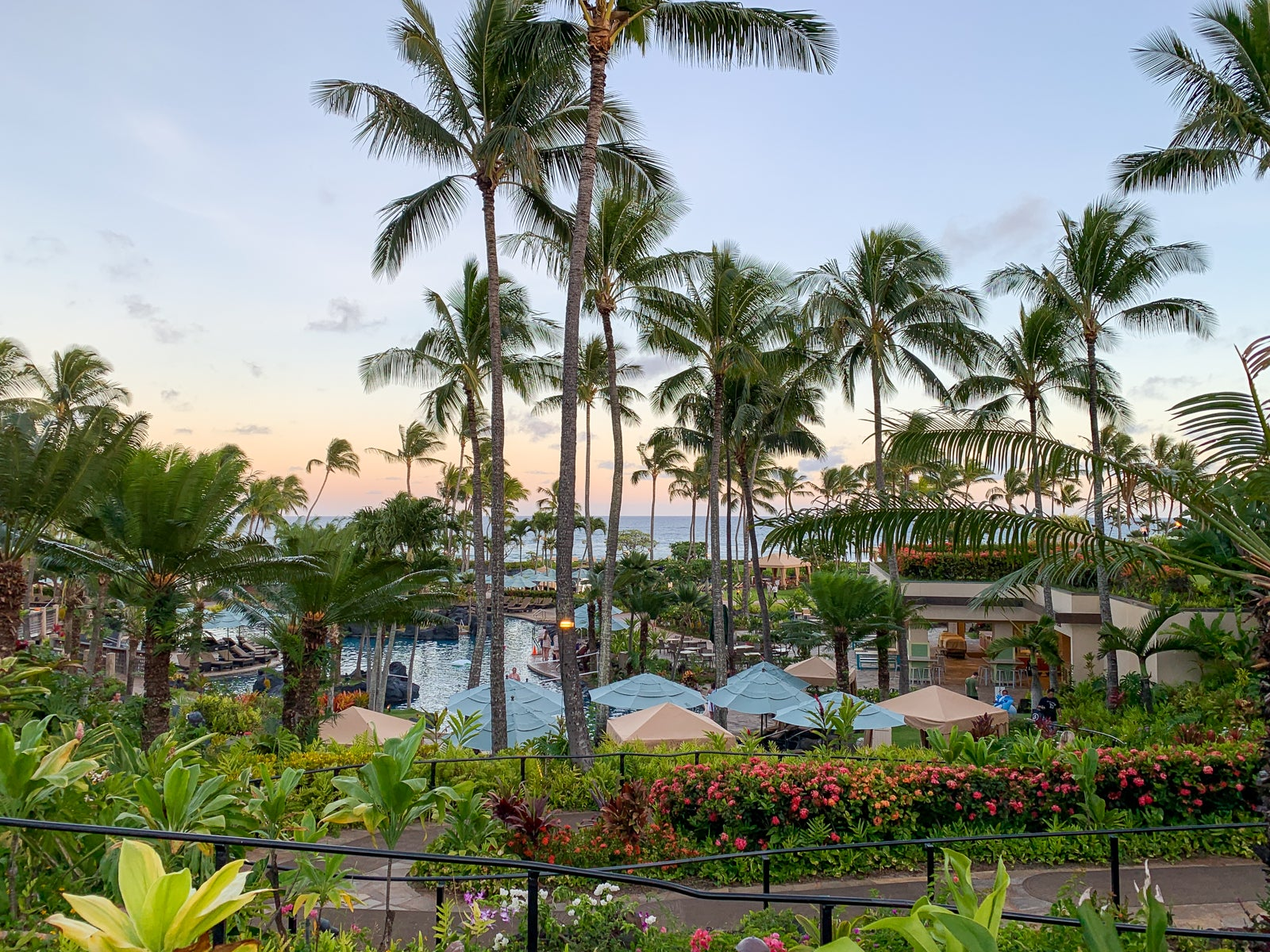 Book this, not that: Hawaii resorts edition - The Points Guy