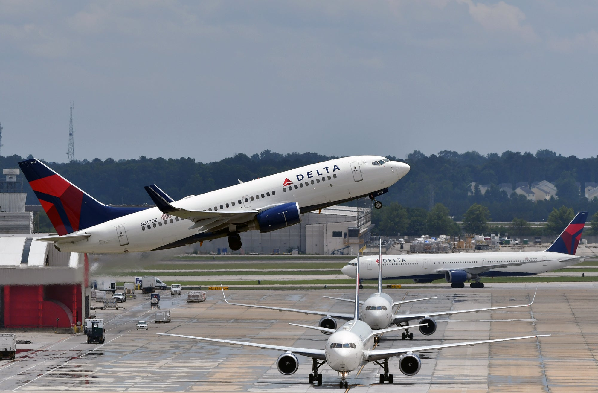 Delta Air Lines cover image