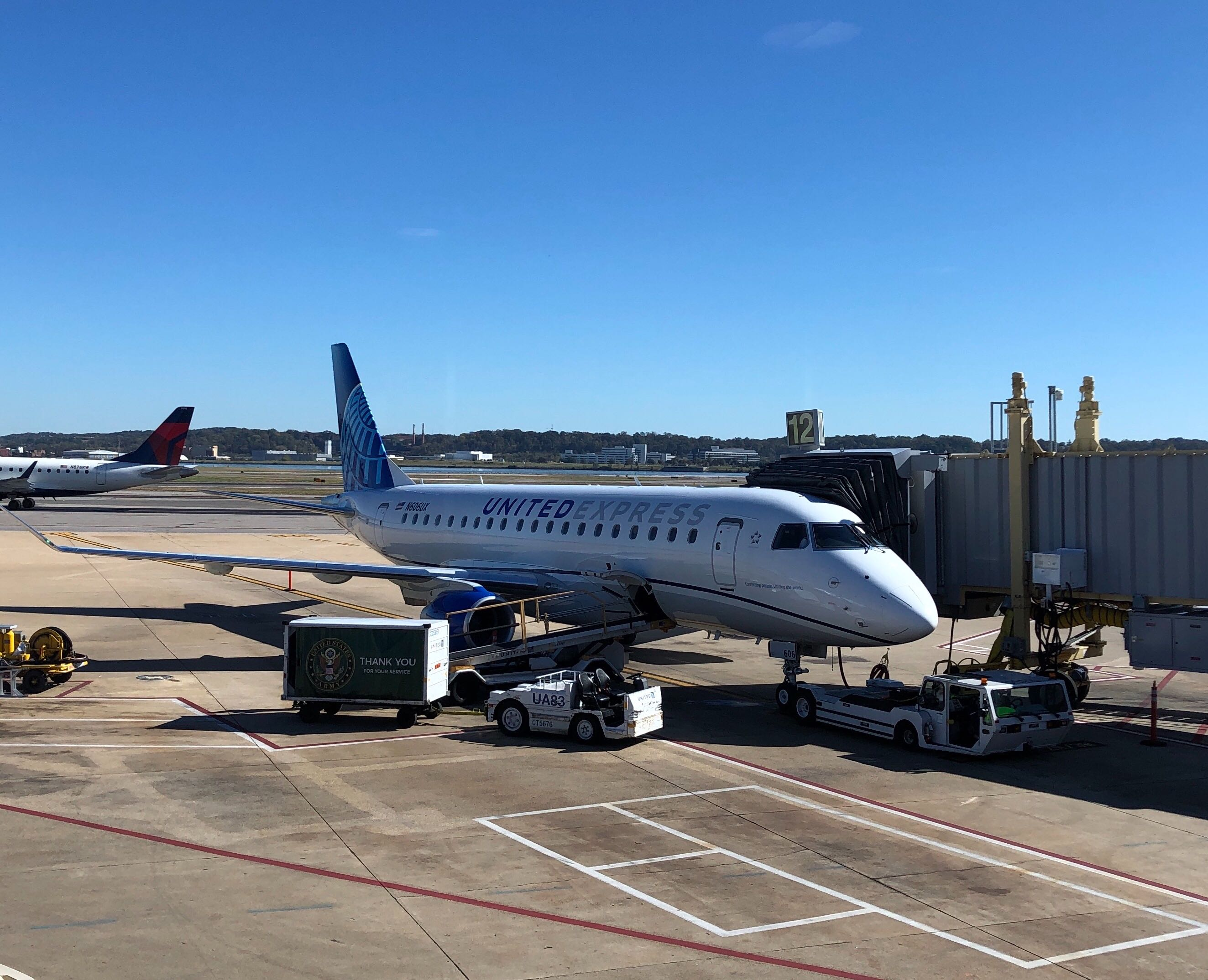 United Airlines adds more E175s as CRJ550 fleet expands