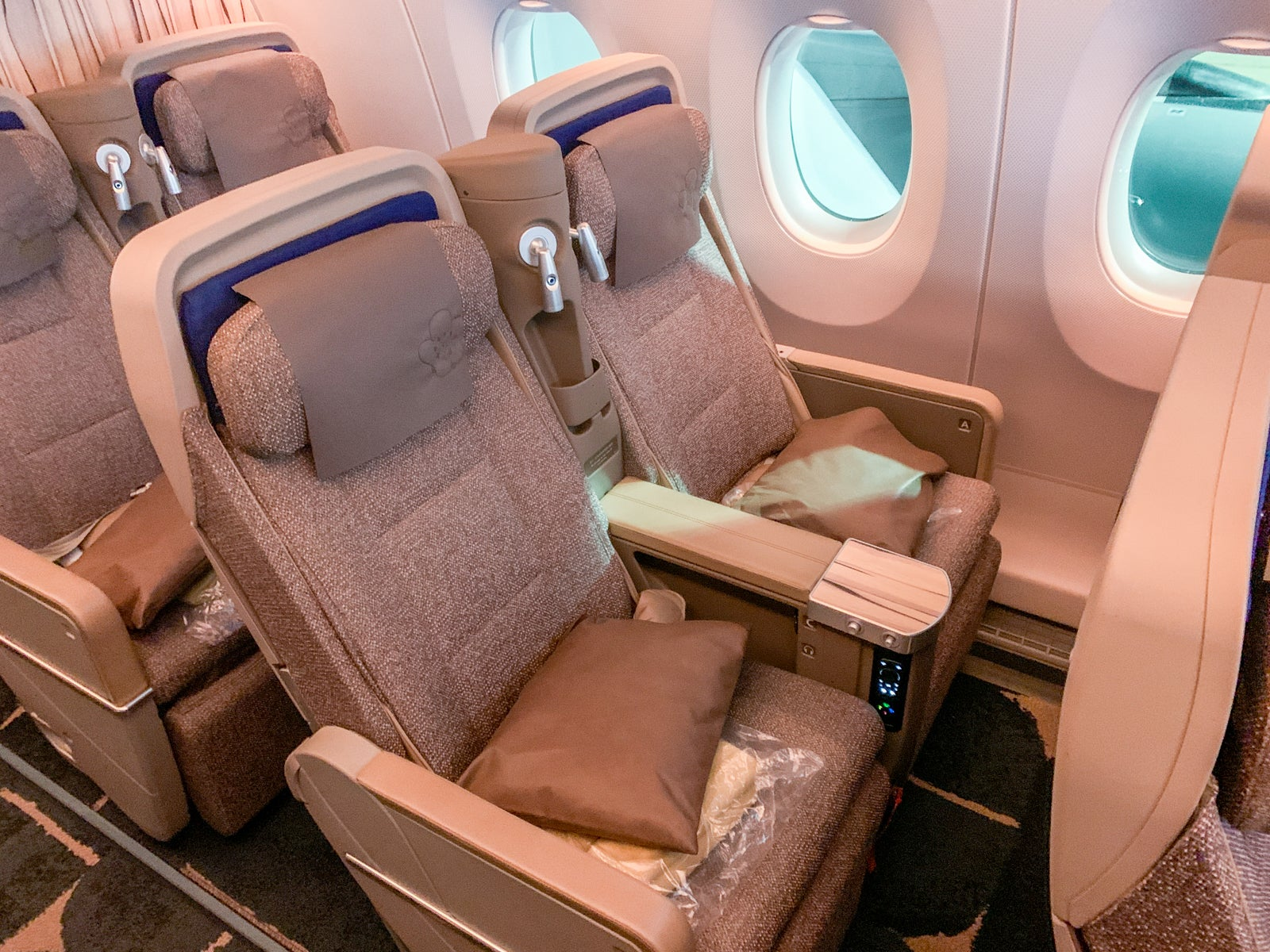 3 reasons to fly premium economy (and 1 reason not to) - The Points Guy