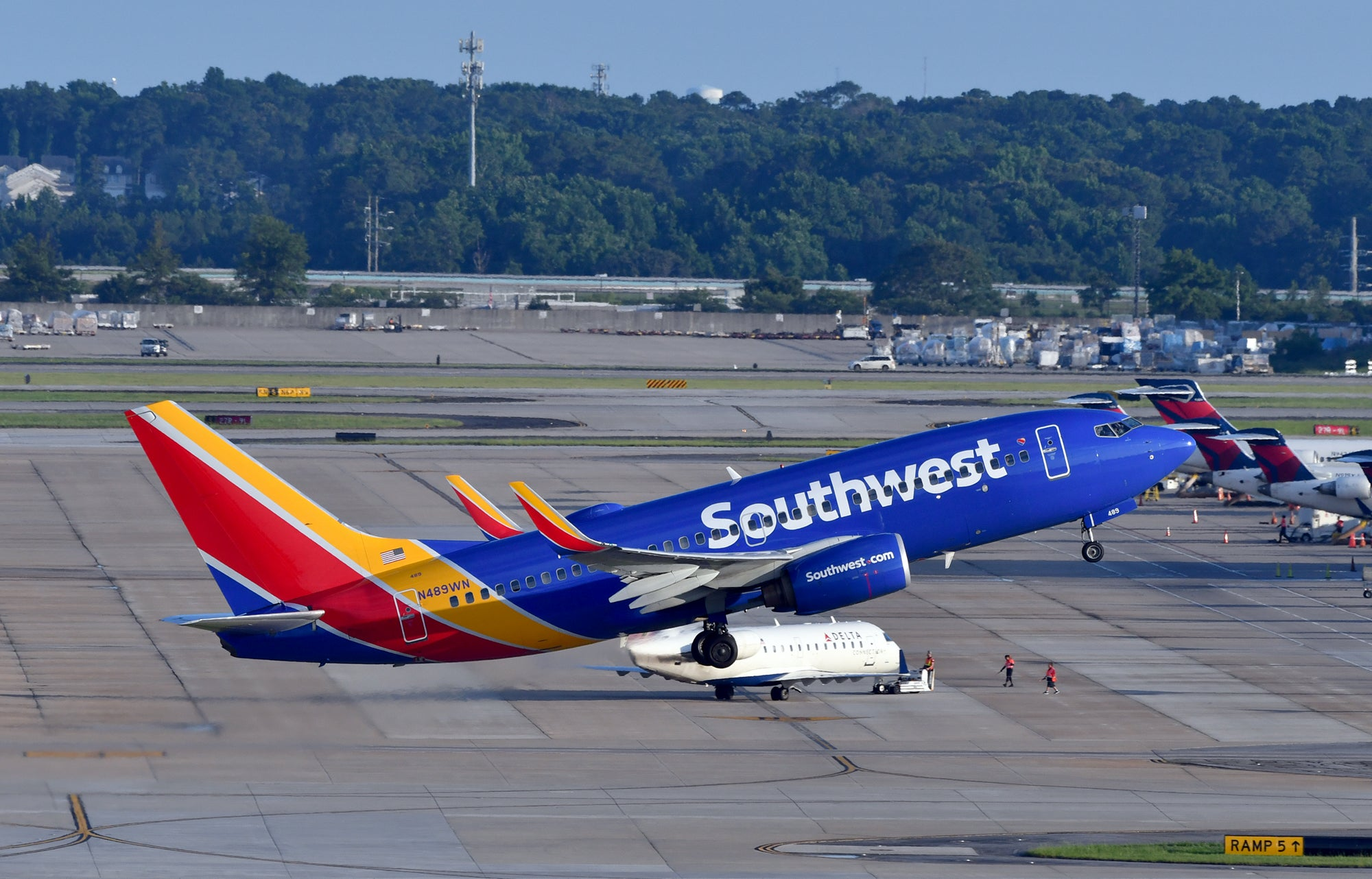How airline no-change-fee policies stack up against Southwest