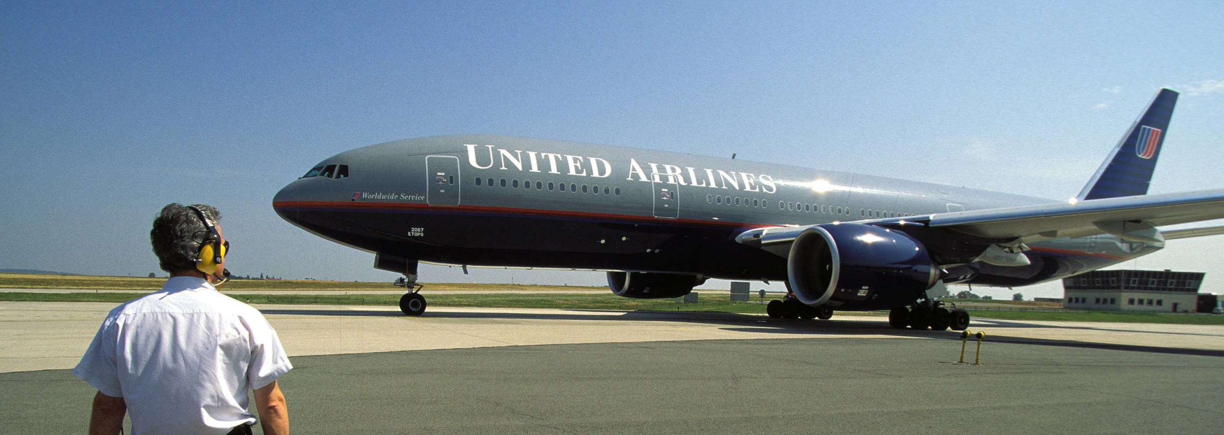 The Boeing 777 turned 25 last year. Here's why it has become so popular