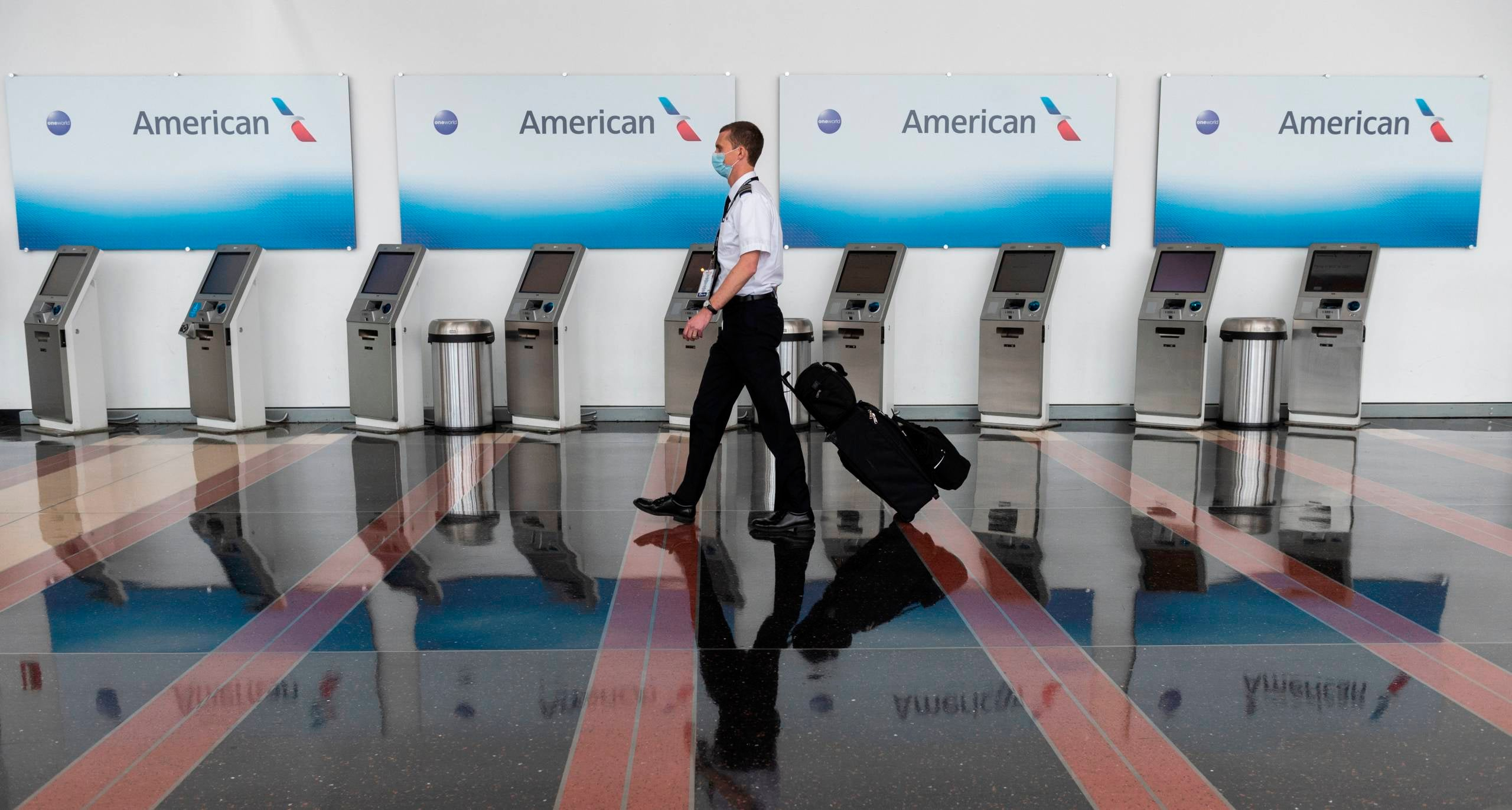 American Airlines pilots union wants the government to buy middle seats - The Points Guy
