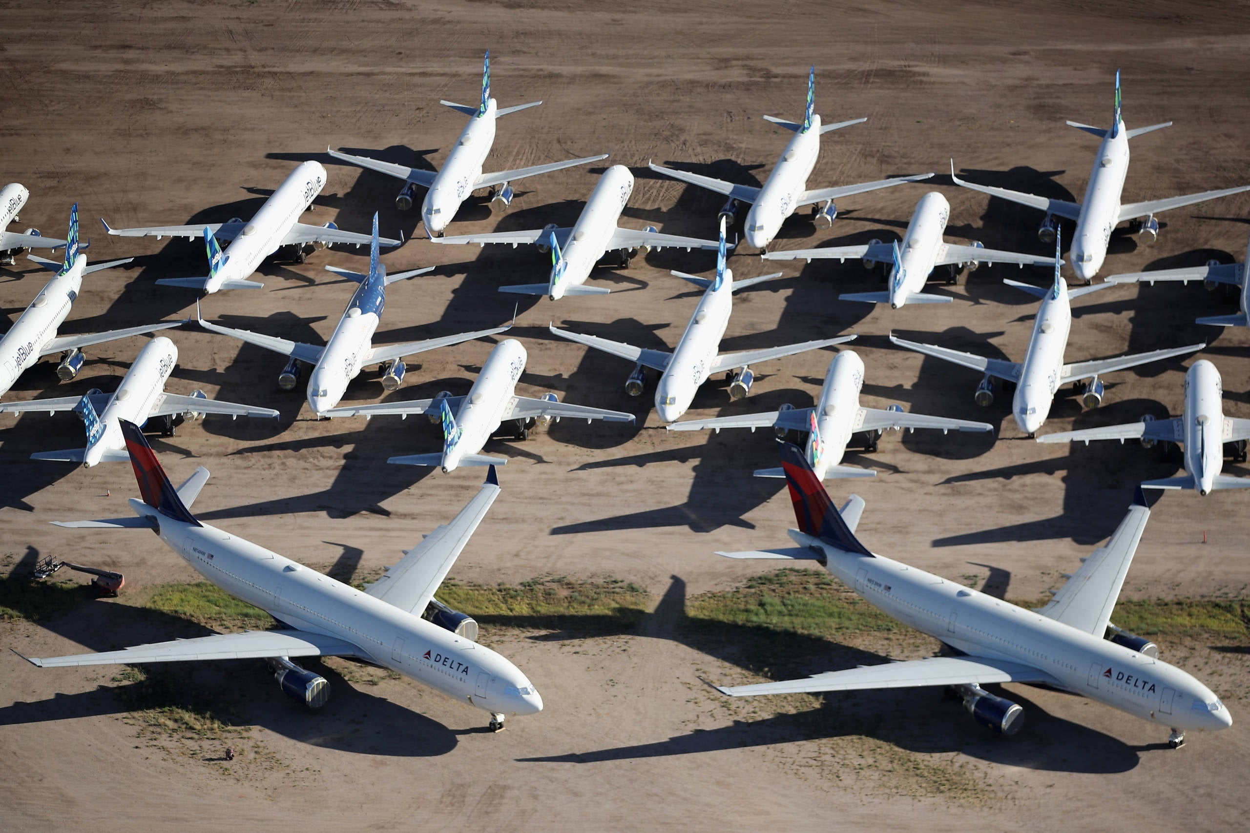 Global air travel unlikely to recover until 2024, airline group predicts