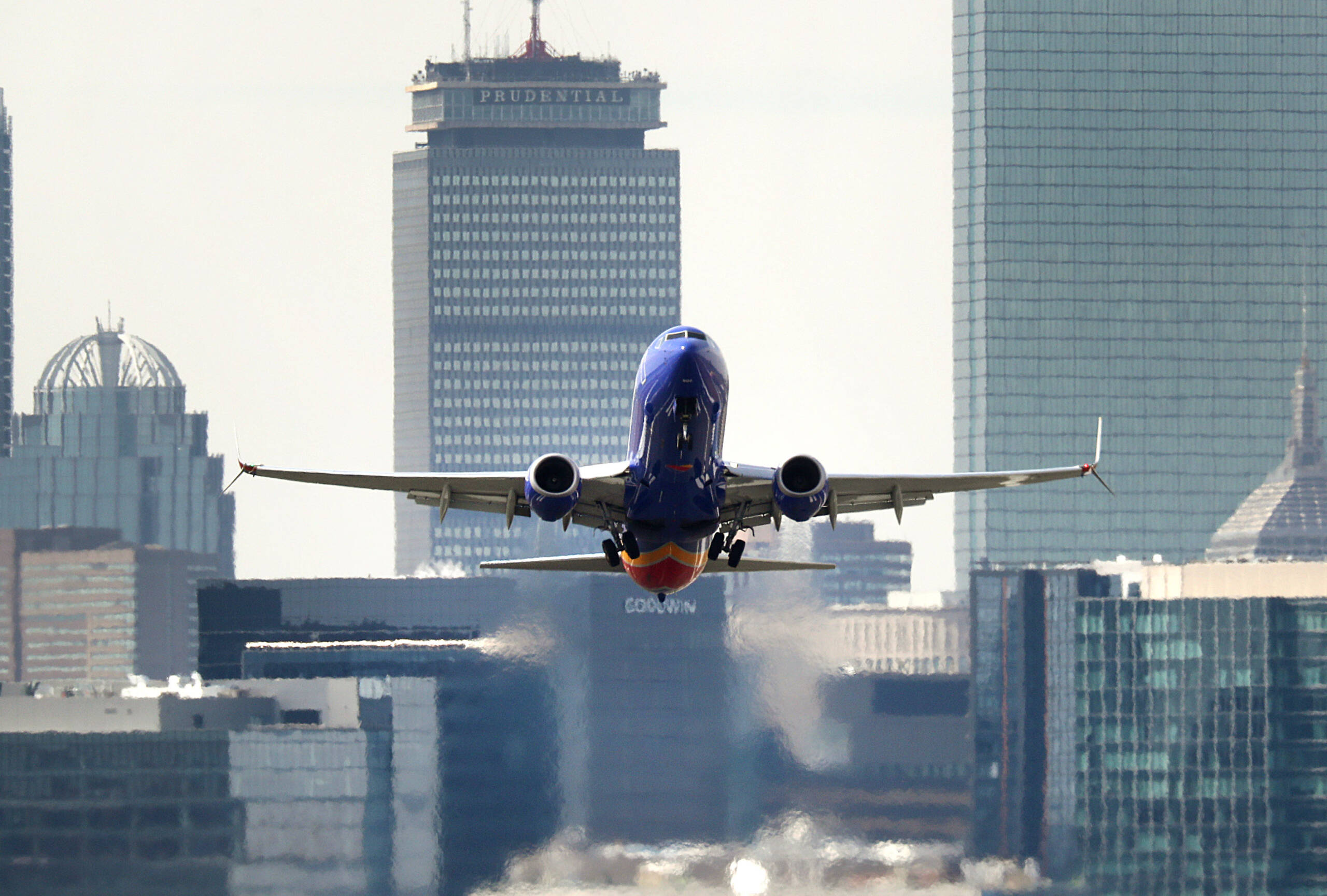 Southwest Airlines caps bookings through Thanksgiving as holiday season looms