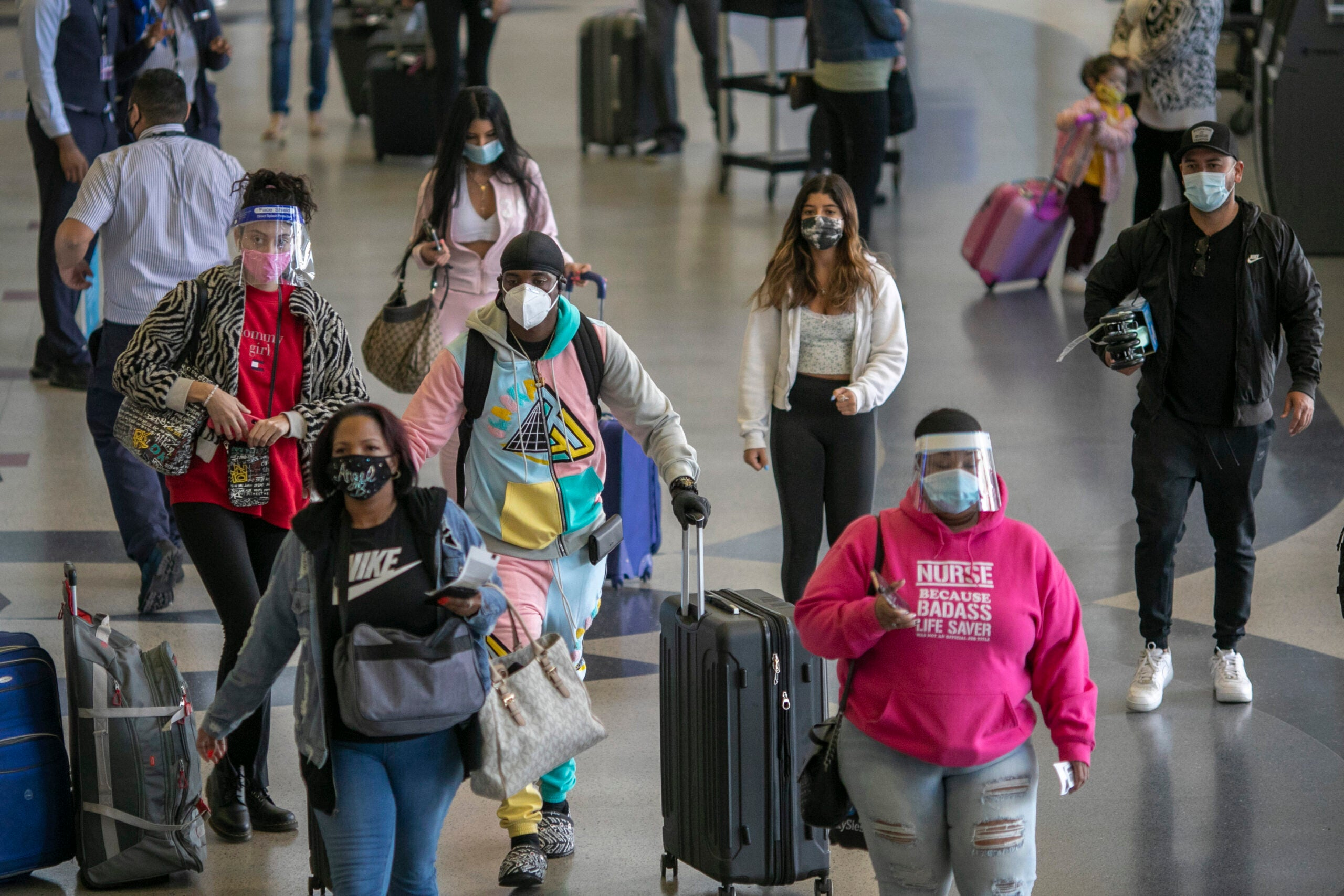 Passenger numbers surge to pandemic-level highs for Thanksgiving travel