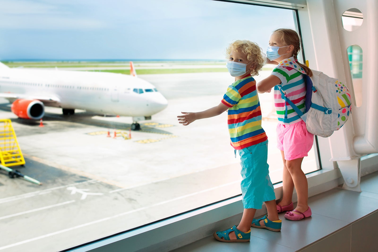 Vaccinated parents with kids that aren't: How to navigate 2 sets of travel rules - The Points Guy