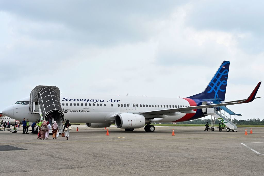 Update: Indonesian 737-500 crashes with more than 60 people onboard