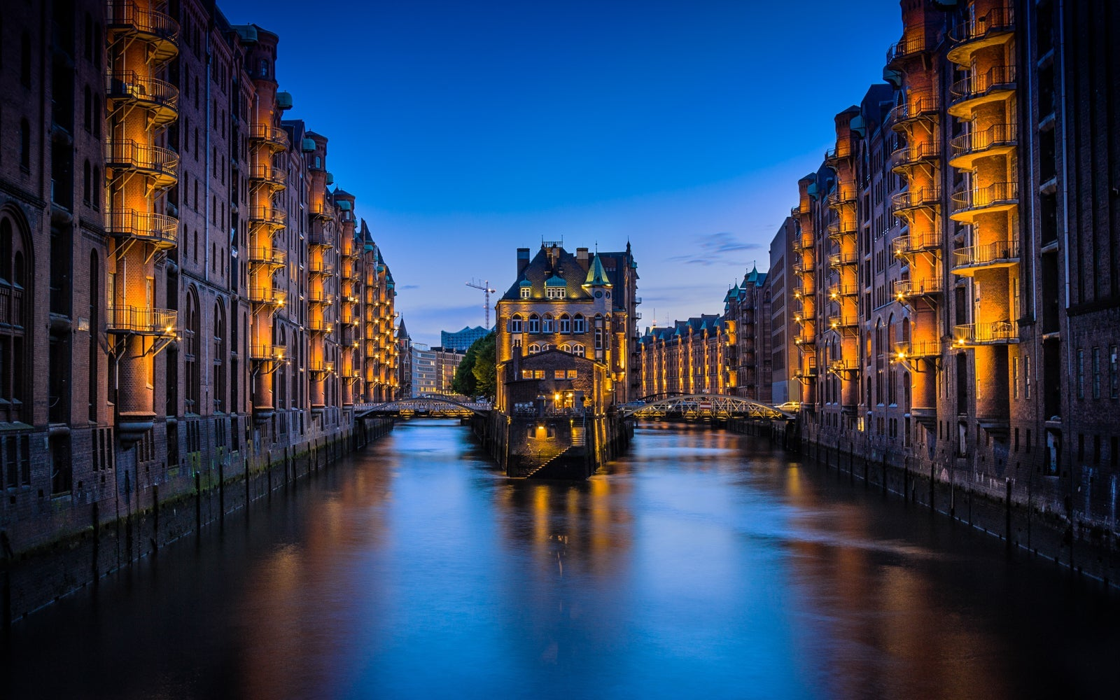 11 tips for traveling Europe on a budget
