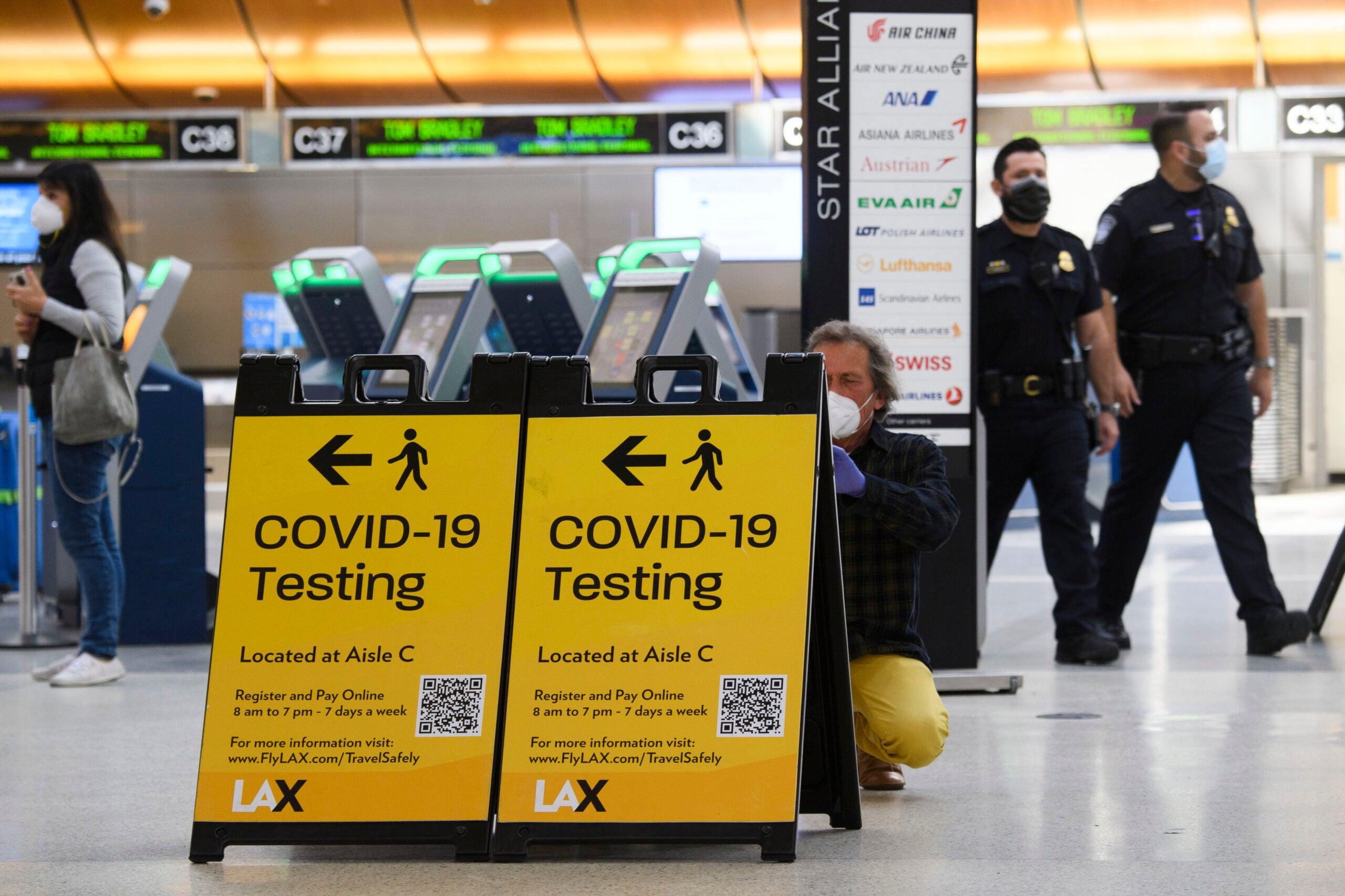 CDC director says pre-departure COVID-19 testing for domestic travel may reduce transmission