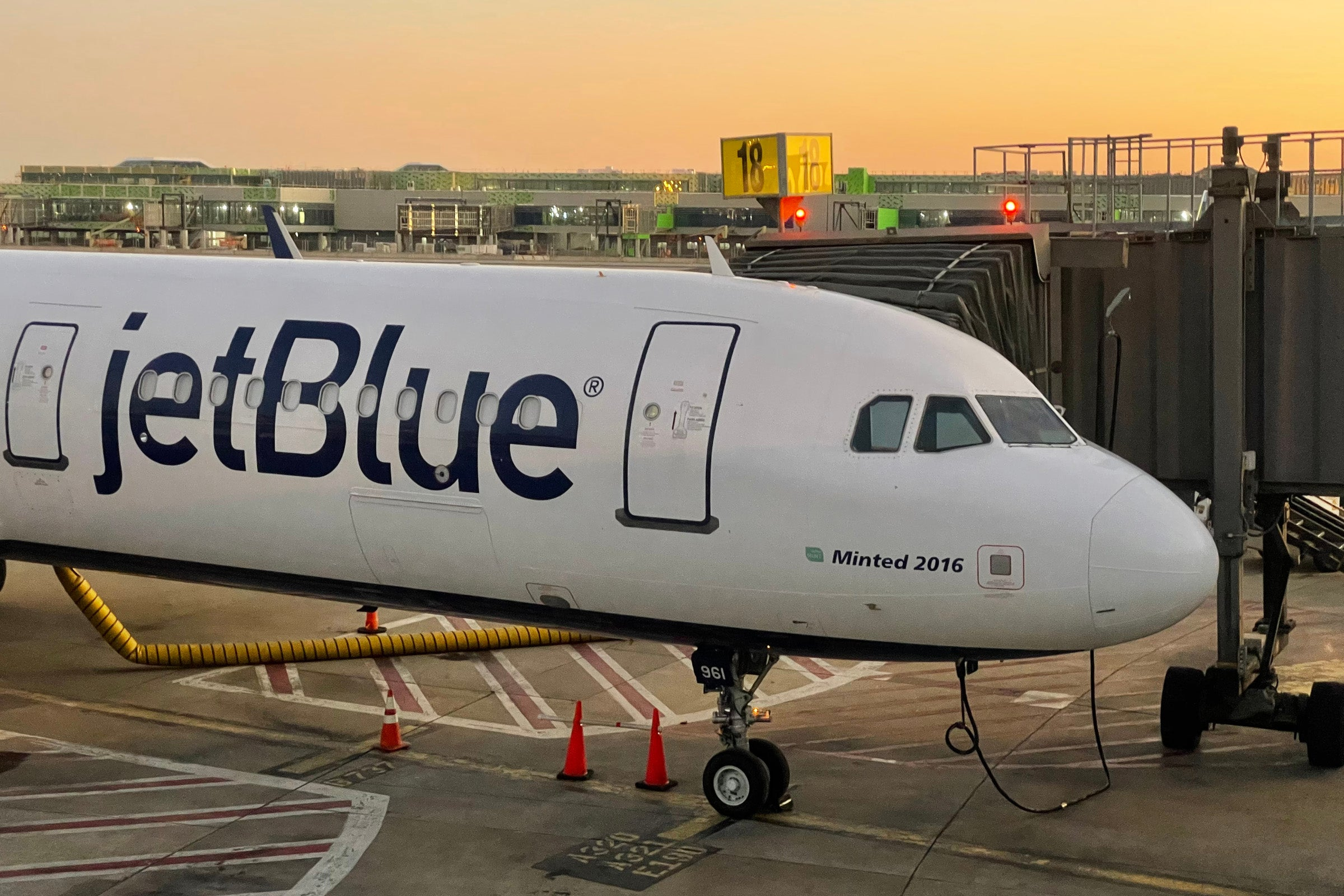 JetBlue union dispute adds a big wrinkle to American Airlines partnership