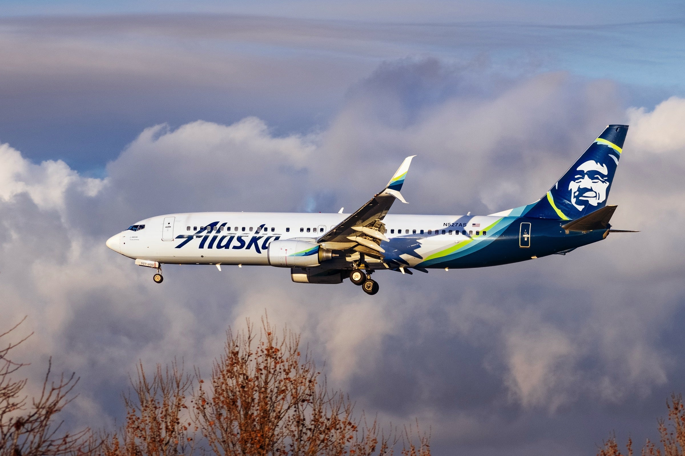 Alaska Airlines takes aim at new startup with latest route addition - The Points Guy