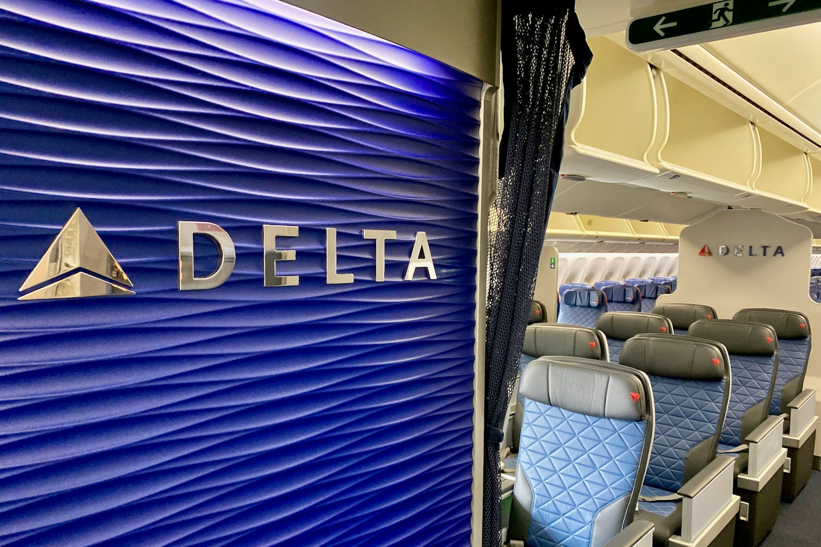 Delta pushes back against American Airlines on a key competitive route - The Points Guy