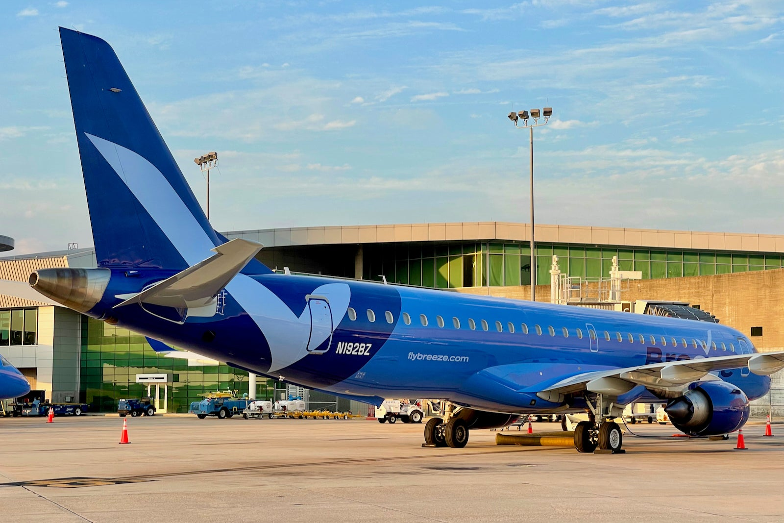First look and where to sit when flying Breeze Airways' Embraer jets