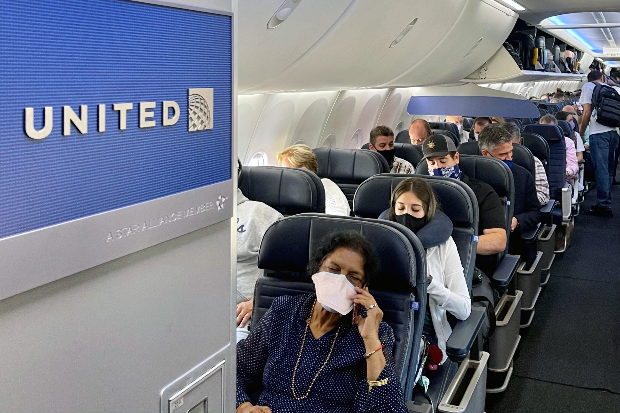 United discontinues practice of allowing free changes for 'fuller' flights