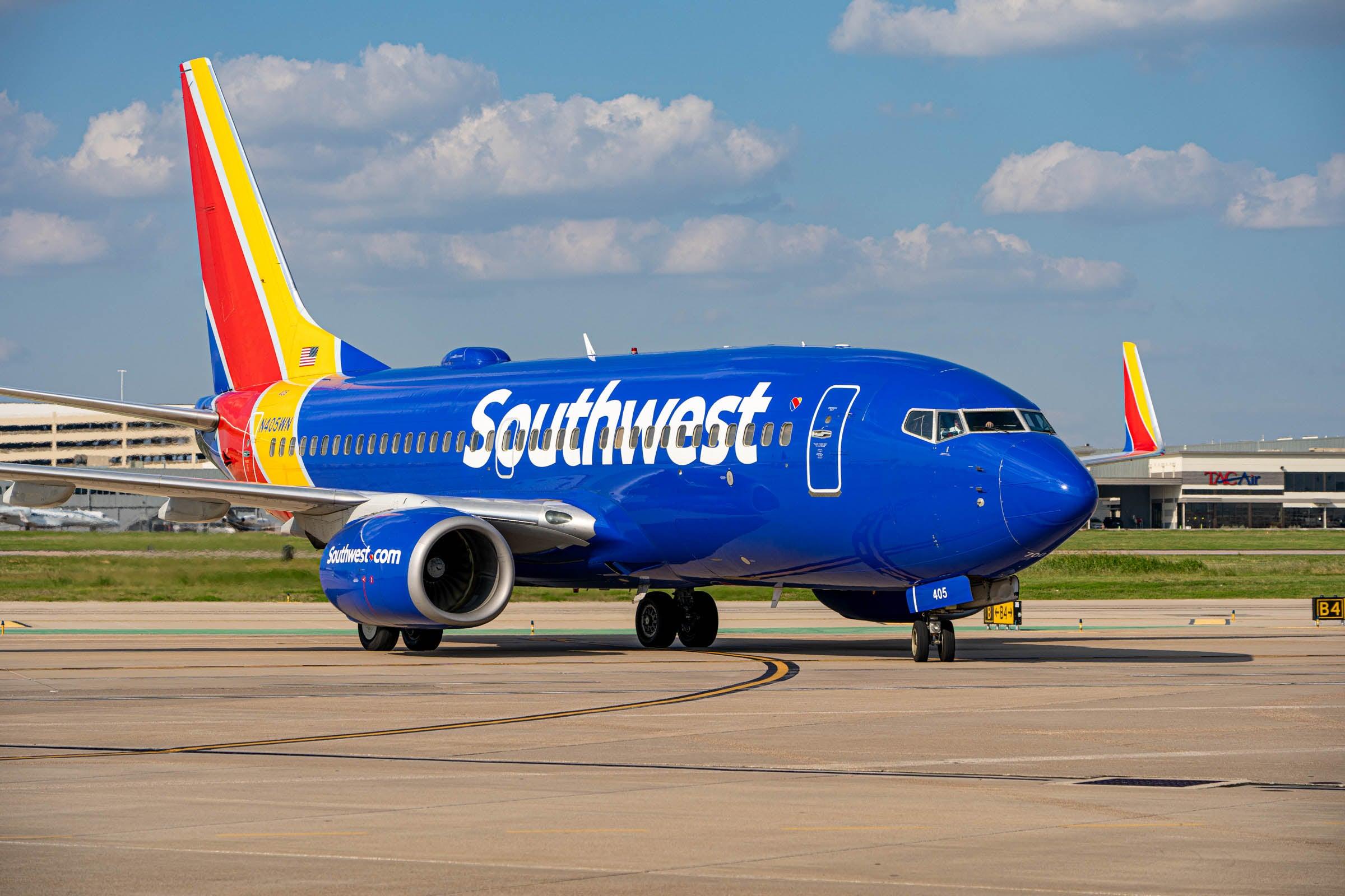 Southwest new CEO denies walk-off rumors, defends pilots amid schedule meltdown