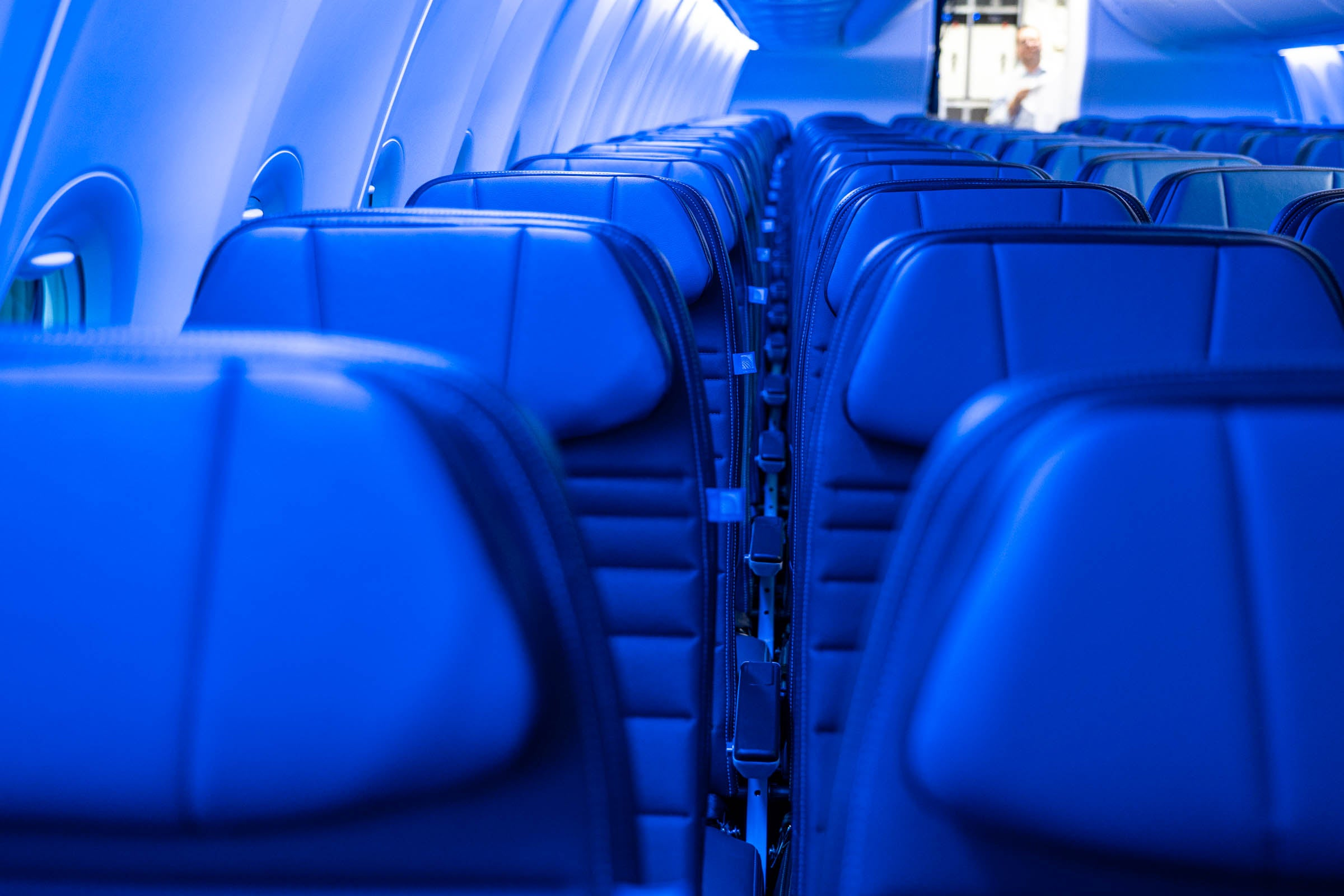 First look: United's new narrow-body cabins