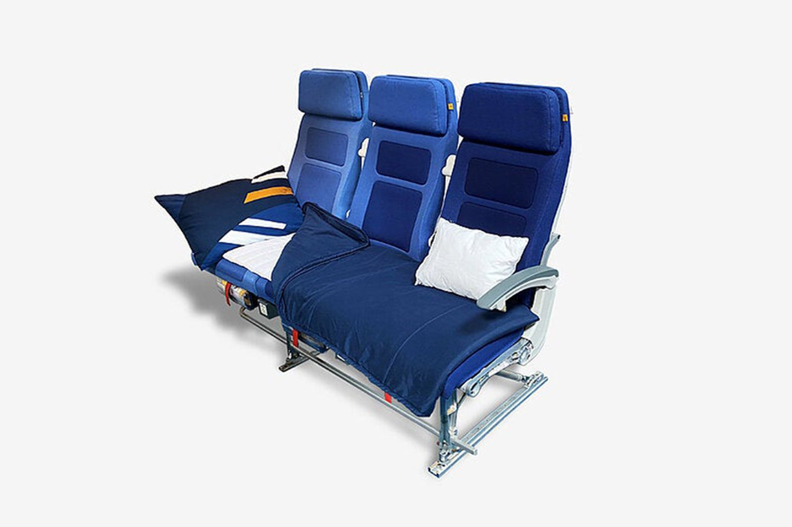 Lufthansa expanding lie-flat economy Sleeper Row seat to more flights - The Points Guy