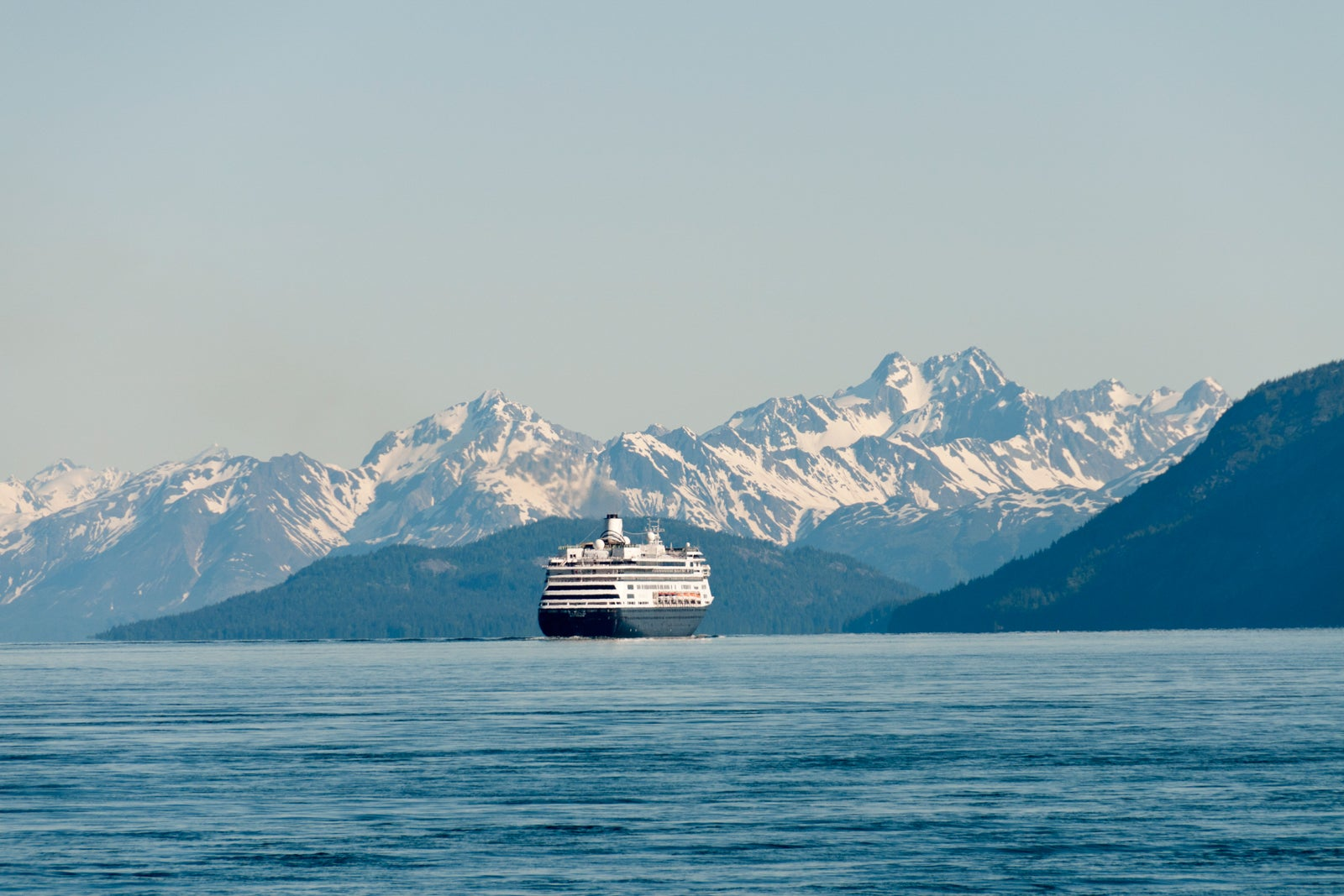 Cruise ships could permanently skip Canada on Alaska voyages under new bill - The Points Guy